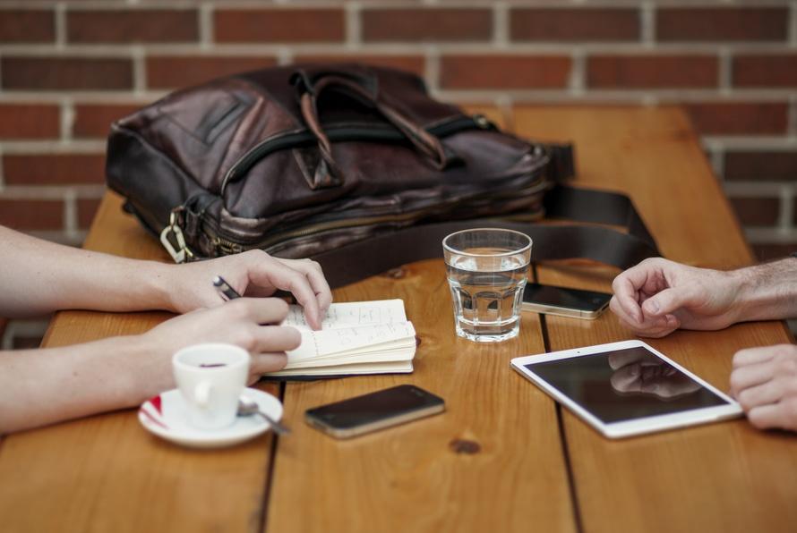 arrange a meeting_