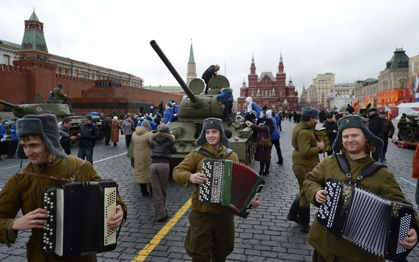 Parades in Russia